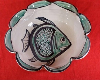 Saintonge Fluted Bowl from Avignon