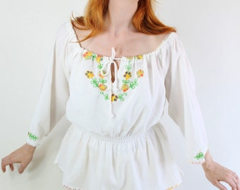 SALE - Vintage 70s White Floral Embroidery Peasant Gypsy Top Shirt
