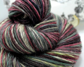 Handspun Yarn Gently Thick and Thin Mixed Blue Faced Leicester 'Apple Cinnamon'