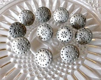 Vintage Silver Metal Buttons ~17mm ~ Southwest Style ~Rustic Silver Button ~ Metal shanks~ 10 in Lot ~ Aztec Southwest Pattern ~ 1950's