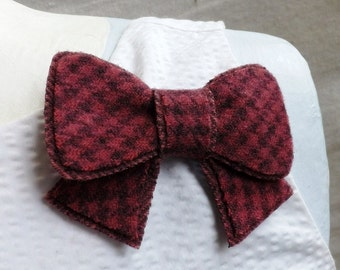 Bow Brooch in Pink and Grey Houndstooth