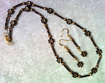 Black and Gold Necklace and Earrings (1112)
