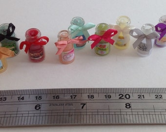 Dolls House Miniatures - 1/12th small candle jar x 1 (assorted colours)