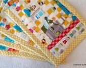 Retro housewives 50's diner place-mat set of 4 I Love Lucy style funky green sunshine yellow and red