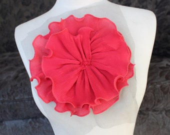 Cute    ruffled   flower    applique    1 pieces listing