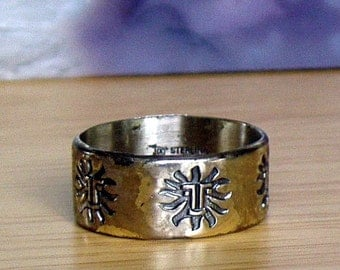 Aztec style Sun Face Ring from the 1970s. Stamped and signed Silver Ring