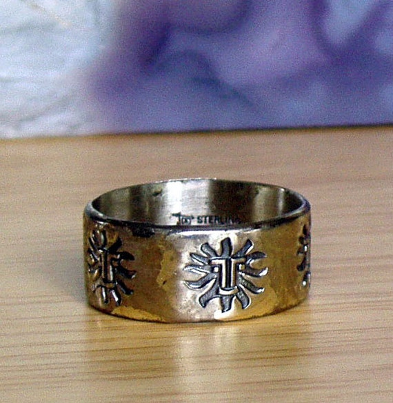 Aztec Style Sun Face Ring From The 1970s Stamped And Signed