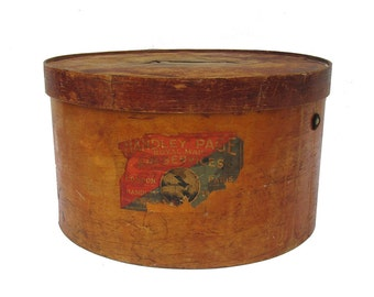 Early 20th Century Wooden Hat Box with Travel Labels - Red Star Line - Hotel - Handley Page Royal Air Service