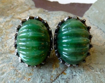 Vintage Green Acrylic Lucite Clip On Earrings - Ribbed Scalloped Clips