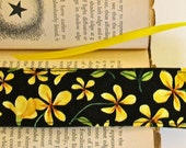 Flowered Fabric Bookmark, Pretty Bookmark, Fabric Bookmark, Bookmark with Flowers,  Gift for Books, Black and Gold Bookmark