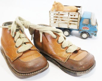 Vintage Baby Shoes, Two Tone Brown Leather with shoe strings
