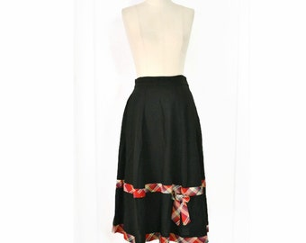 VINTAGE 1950's Skirt // Full Black Skirt with Red Plaid Trim and Bow
