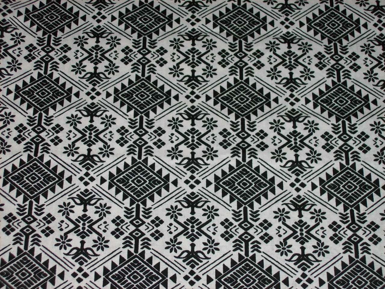Black and White Tribal wax print fabric per fat by ...