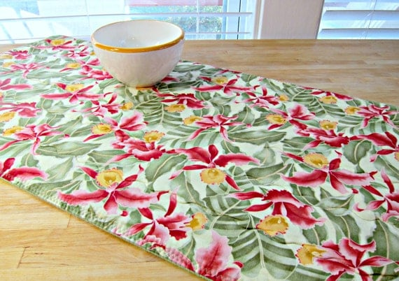 Quilted Table Runner Green Daffodil