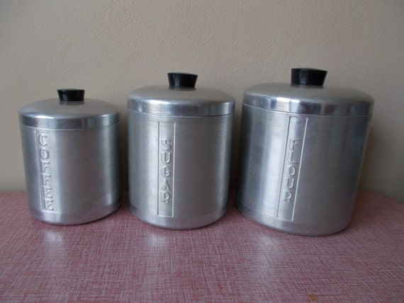 Retro kitchen aluminum canister set by sewupcycle on etsy for Toko aluminium kitchen set