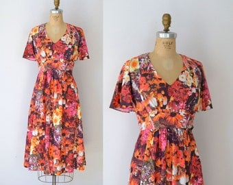 1970s Floral Dress / 70s Photo Print Tea Dress