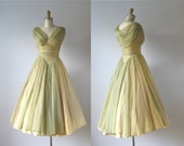 SALE vintage 1950s dress / 50s dress / Cabbage Roses