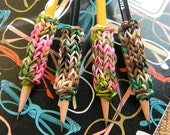 4 Removeable Rainbow Loom Camo Pencil Grips with Pencils - Pink Camo and Green Camo