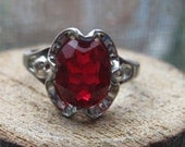 RARE Vintage Sterling Silver Ladies Ring Authentic Vargas Scalloped Setting  with Original Ruby or Garnet Red Glass Stone Size 7