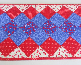 Quilted Table Runner, Quilted Table Topper, Patchwork Table Quilt, Vintage Style, Red White and Blue