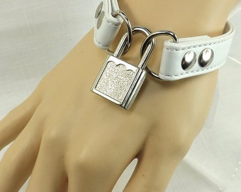 Locking Wrist restraints locks bdsm cuffs wrist cuff set pink leather bondage restraints mature slave cuffs fetish locking cuffs