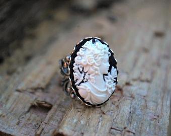 Grande Cameo Antique Silver Ring