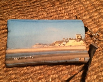 Wristlet Zipper Pouch: Cardiff by the Sea