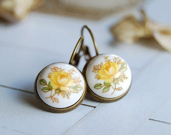 Vintage Yellow Rose Flower Glass Cabochon Earrings. Japanese Vintage Rose Cabochon, Antiqued Brass Lever-back with Bezel Setting Earrings