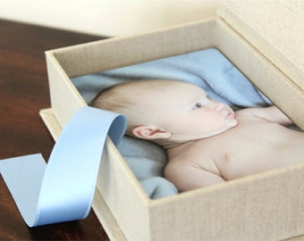Photo Proof Box for 100 4x6 prints. Shown in Natural Linen and Light Blue.  Custom Order.