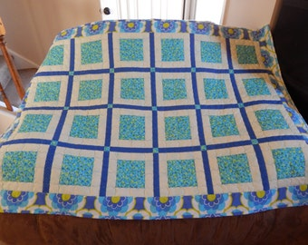 Blue Green Flowers Kid Quilt