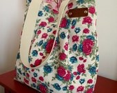 WATERPROOF Tote Bag Diaper Bag Waterproof Floral Quilt Preppy Beach Bag, Diaper Bag handbag Beach bag Shoulder Bag