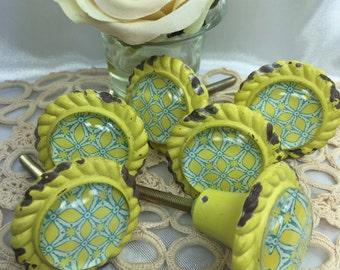 6 Yellow metal knobs with geometric print, Furniture knobs, Cottage Chic knobs, Vintage Style knobs, Home Decor, Kitchen Knobs, Hardware