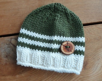 Baby Hat, Newborn Hat, Baby Beanie, Beanies, Green and White with Beautiful Handmade Wood Button Photo Prop Infant Newborn