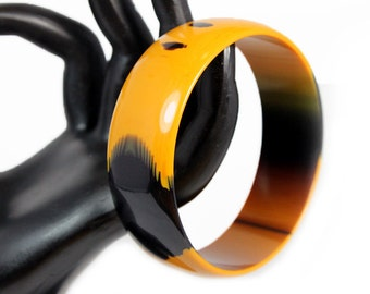 Butterscotch and Black Patchy Lucite Bangle - Best Plastics New Old Stock ca. 1970s
