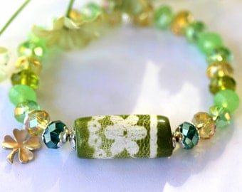 Irish Wild Flower Bracelet, Beaded Bracelet, Stretch Bracelet, Irish Bracelet, Lucky Bracelet, Birthday, Bride, Wedding, Mother's Day Gift