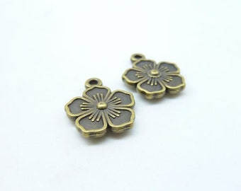 20 pcs 14x16 mm Antique Bronze Chinese Plum/Plum Blossom Flower Charms C7028