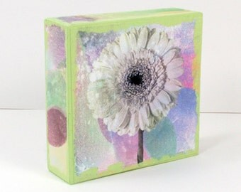 Daisy Wood Block, Gerbera Daisy Photo, Recycled Wood Block, Wood Photo Collage, Gardener Gift, Cottage Decor, Floral Home Decor, Daisy Block