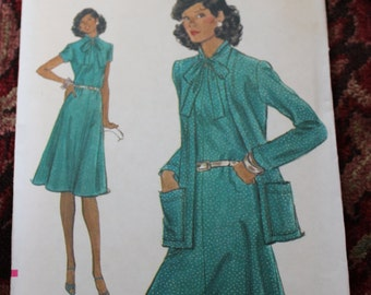 Vintage Very Easy Vogue Pattern 9118 Dress and Jacket Size 14 Uncut 1970s