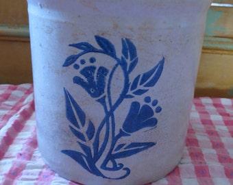 Vintage Pottery Stoneware Crock.