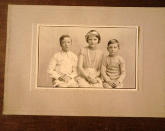 Antique English child children group brothers sisters photograph photo circa 1910's / English Shop