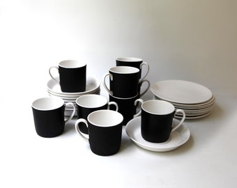 Vintage mid century modern 1960s Susie Cooper wedgwood black and white bone china demitasse cups and saucers