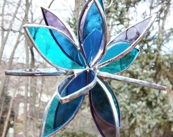 Stained glass 3D flower twirl aqua pale purple garden art outdoor suncatcher home decor glass sculpture