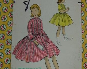 Vintage Pattern c.1950's Vogue No.2767 Girls Dress, Size 8 Breast 26