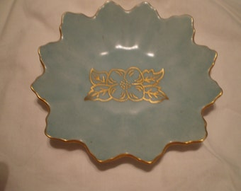 Small Vintage Hand Made Leaf Bowl/Plate Retro Cottage Chic Victorian