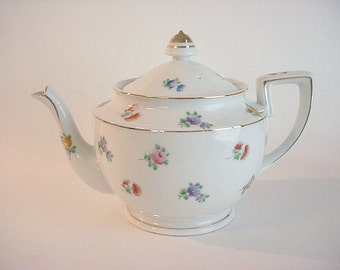 Very Sweet Vintage Porcelain Ceramic Teapot- Floral Pattern, Japan