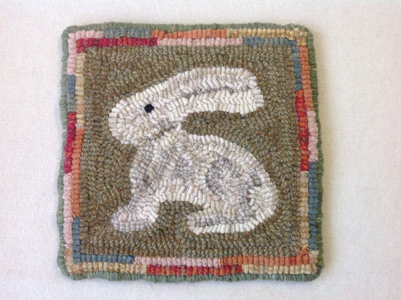 "Rug Hooking Pattern, Bunny Mat, 8"" x 8"", J911, DIY Primitive Rug pattern, Wide Cut Rug Hooking"