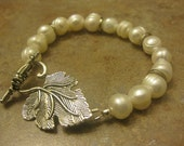 pearl bracelet, pearl jewelry, gift for mom, bridal gift, wedding gift, Christmas gift, new mom gift, sister gift, push gift, bridal shower