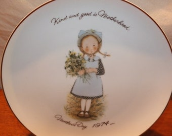 1974 Holly Hobbie Mother's Day Collector's Plate