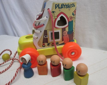 Playskool Old Woman Who Lived In a Shoe, Pull Toy