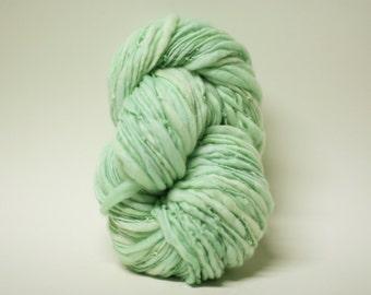 Thick and Thin Merino Yarn Handspun Wool Slub  Hand Dyed tts(tm) Superfine Merino Bulky Mentha 02